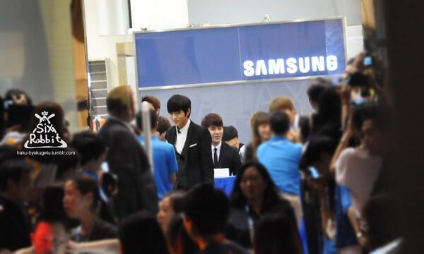 131011 INFINITE Taiwan Samsung galaxy event - Myungsoo2