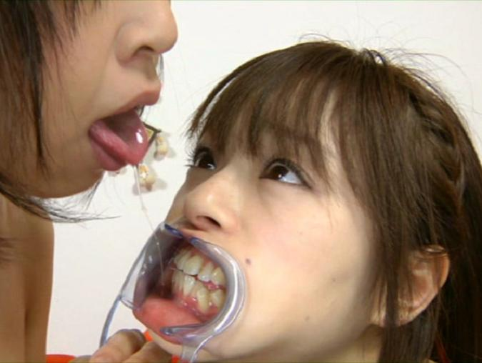 接吻鼻舐めレズ2A3