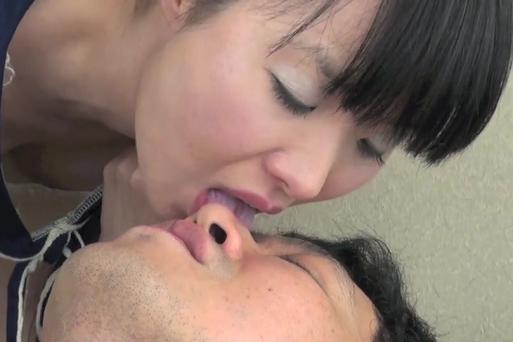 ブログ挿入顔鼻舐め3