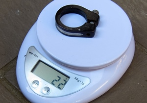 クランプ重量