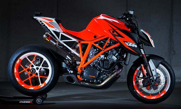KTM-1290-Super-Duke-R-Prototype-07.jpg