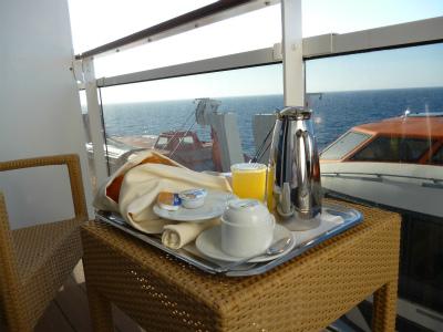 バルコニーで朝食を!!