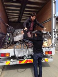 自転車おろし作業