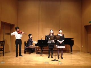 アンサンブル歌とヴァイオリン