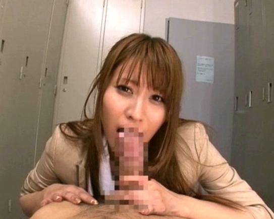 同僚の女子社員に無理やりパンスト足コキされて大量射精の脚フェチDVD画像1