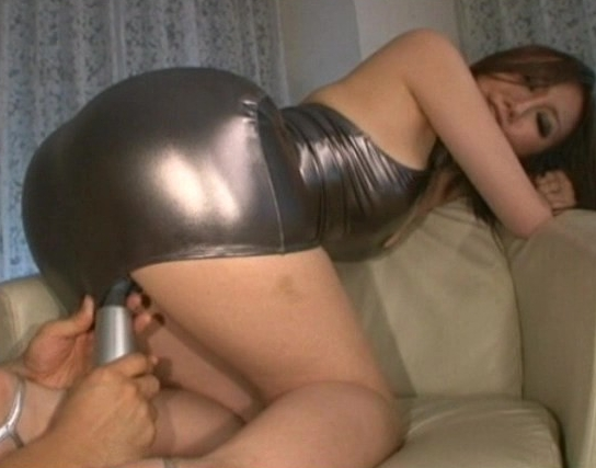 ムチムチ女にタイトスカートとパンストを穿かせたまま犯しまくるの脚フェチDVD画像2