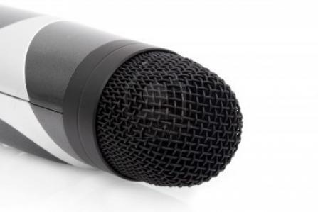 2134187-macro-of-karaoke-microphone.jpg