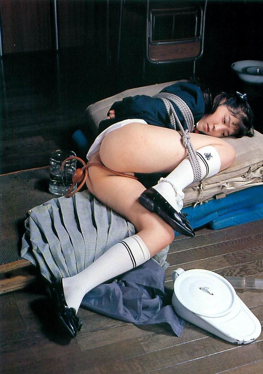 制服少女緊縛調教 上品で、可憐な少女はその様に ...: www6160up.sakura.ne.jp/制服少女緊縛調æ...
