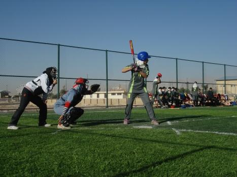 女子ソフトボールの試合の様子