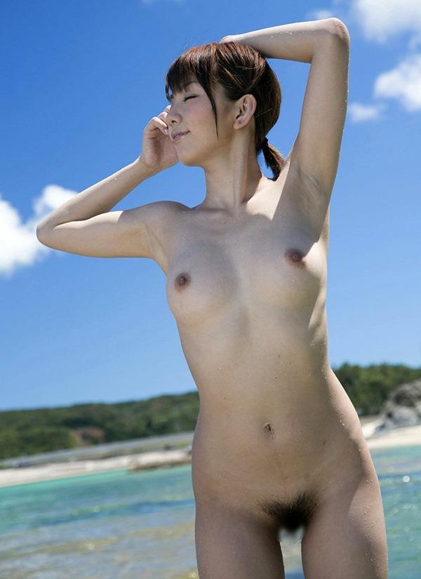 エロ画像 美尻 美乳 巨乳 おっぱい 野外露出