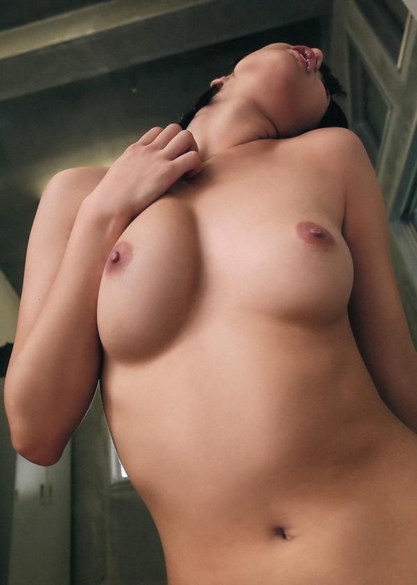 エロ画像 全裸 ヌード おっぱい 放課後 湊莉久