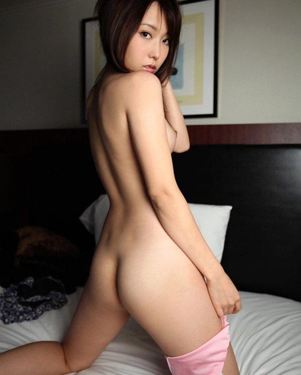 エロ画像 セックス 美乳おっぱい 全裸ヌード 有村千佳