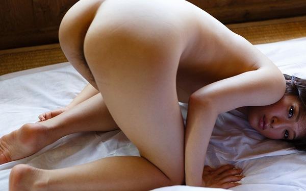 エロ画像 全裸 マン筋 マン毛 おっぱい 乳首 部分接写