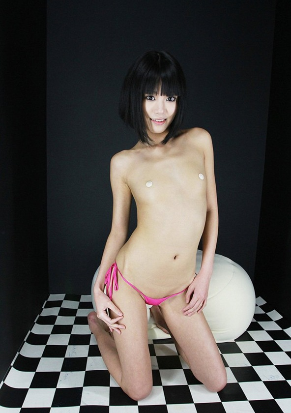 裸 ヌード 琥珀うた 美乳おっぱい エロ画像