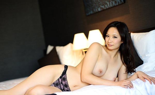 エロ画像 セックス 全裸 ヌード 桃尻 おっぱい 悠希めい