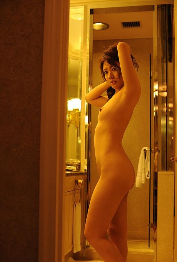 エロ画像 濃厚 大人セックス 美乳おっぱい 女子大生 ピンク乳首