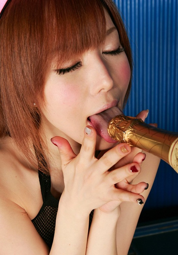 【里美ゆりあ(バニーガール)】美乳おっぱい全裸