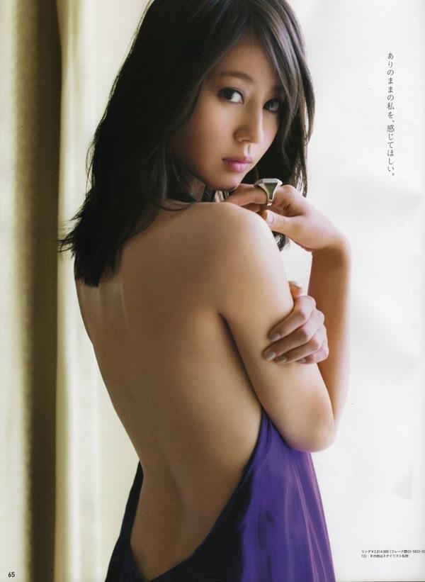 【堀北真希】写真集!見返りくびれカーブ