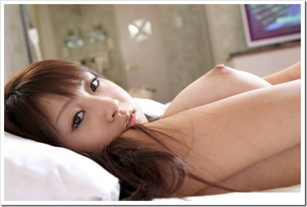 【巨乳】女子大生のプルプルおっぱい乳首