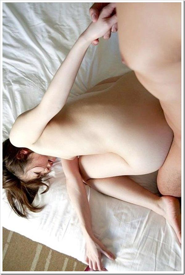 後背位セックス】陰部クリとアナルめがけてハメ撮り