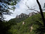 北に見える瑞籬山