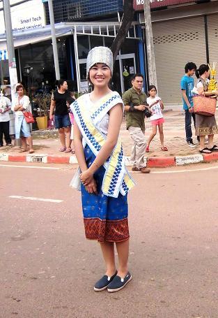 6 絵画教室23回目・タートルアン祭り民族衣装揃い踏み (90)