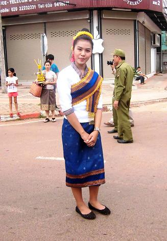 8 絵画教室23回目・タートルアン祭り民族衣装揃い踏み (92)