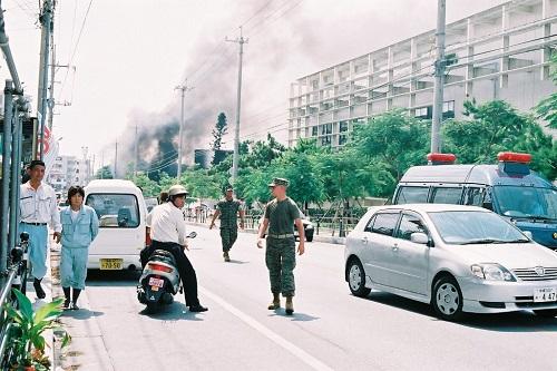 沖縄国際大に米軍ヘリ墜落1