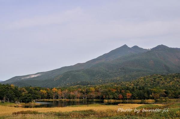 33HKD_1湖と硫黄山1562m