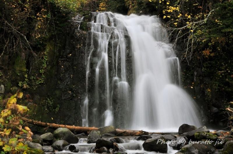 8HKD_雨霧の滝2