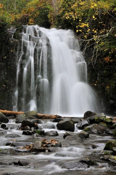 7HKD_雨霧の滝1