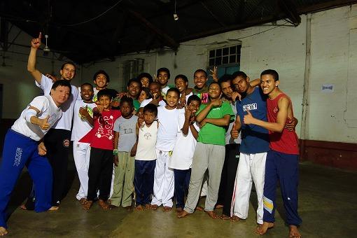 Madagascar capoeiraのみんなと