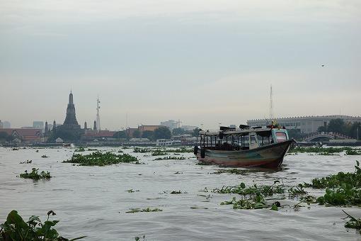 チャオプラヤー川を往く