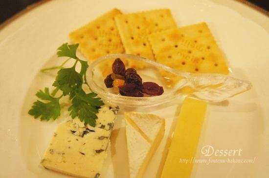 3種のチーズとクラッカー