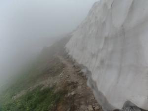 笠ヶ岳稜線雪渓2 20130728