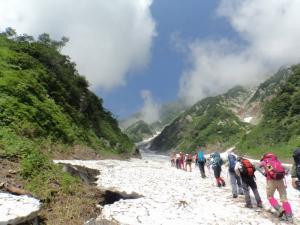 大雪渓登り始め20130807
