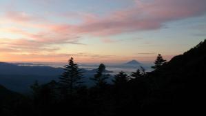 キレット小屋からの朝20130827