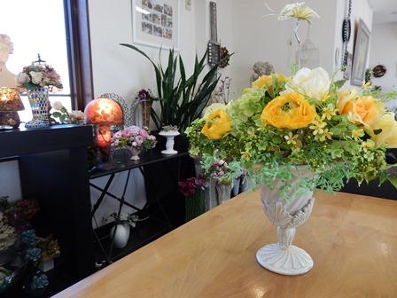 店内はお花がいっぱい