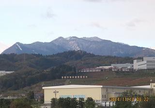 牛岳も初雪