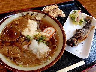 ナメコ蕎麦と岩魚の塩焼き