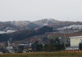 里山も積雪