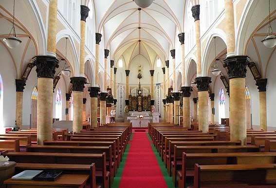 平戸教会堂内