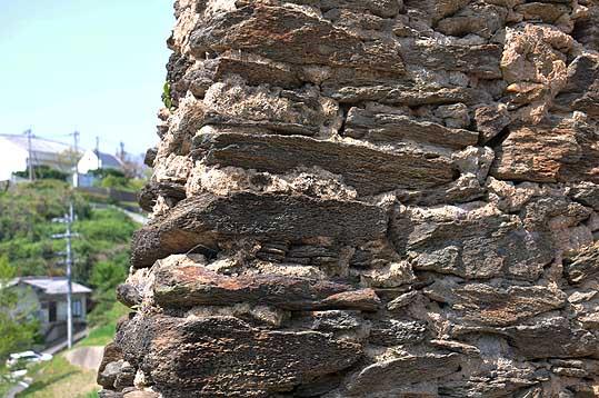 大野教会参照ドロ様塀