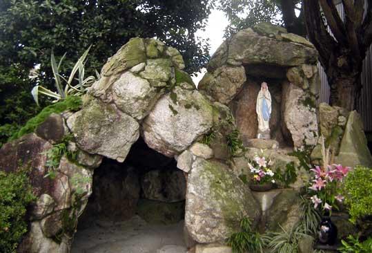 福岡今村教会ルルド