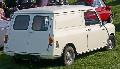 AustinMiniVan1970_rear.png