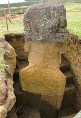 Easter-Island-stone-statues.jpg