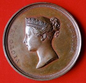 即位したばかりのヴィクトリア女王(1837―1901)シティ訪問記念メダル