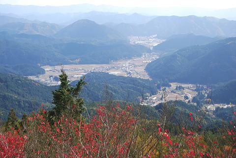 津具村を見下ろす