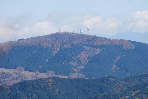 萩太郎山を望む
