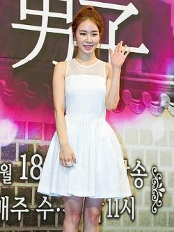 Yoo_In-na_from_acrofan_201410120815022b4.jpg